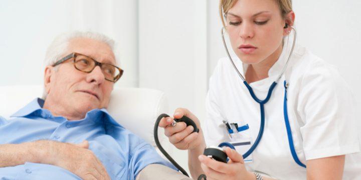 مراقبت از سالمند بیمار در خانه