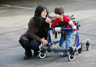 پرستاری و مراقبت از معلول در منزل (کودک و بزرگسال)